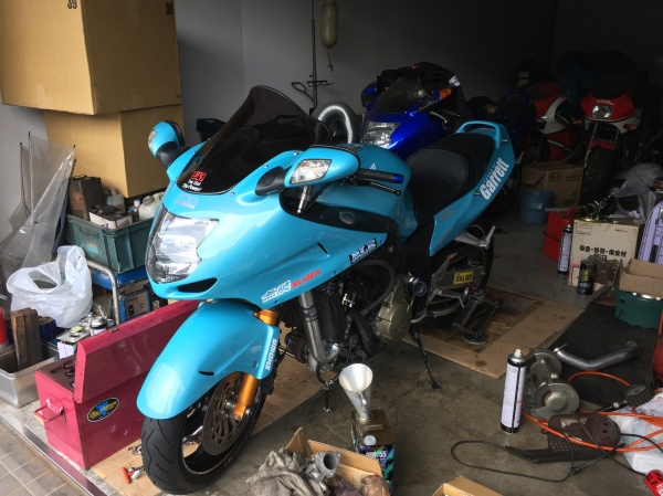 平塚のバイクチューニングショップBLRのブランドステッカー 印刷